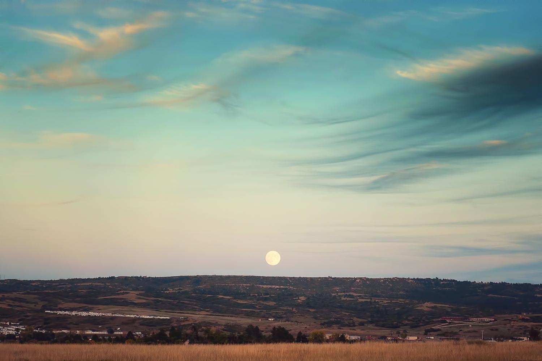 Moonrise over plains